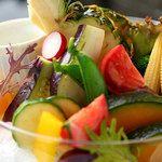 サウス パラダイス カフェ/SOUTH PARADISE CAFE:季節野菜とフルーツの菜園ディップ!農園から直送のフレッシュな野菜を使ったビタミンたっぷりのディップサラダ★身体にやさしくて美味しい♪