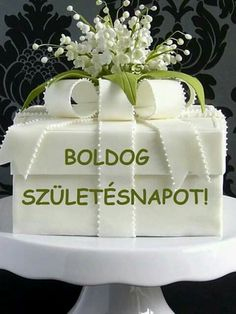 NAGYON BOLDOG Születésnapot Kívánunk Neked lányom, Eszter. Happy Brithday, Name Day, Shrek, Let Them Eat Cake, Beautiful Cakes, Birthday Wishes, Cake Decorating, Diy And Crafts, Wedding Cakes