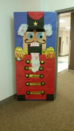 Impressive Holiday Door Decorations (30 Unusual Ideas ...