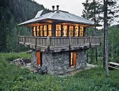 Cabin in Montana mountains designed by Jeff Shelden (from p. 70 of Tiny Homes by Lloyd Kahn)