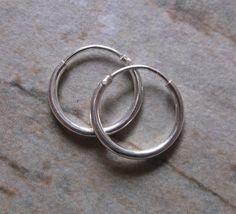 SUMMER SALE.Small Sterling Silver Hoop Earrings.