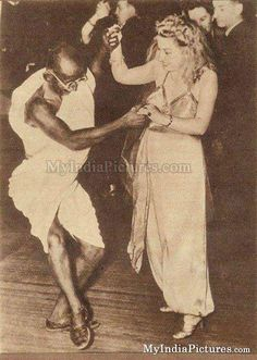 Mahatma Gandhi Dancing Unseen Old Real Photo Funny : India Pictures - Funny India Pics & Photos