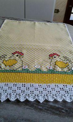 Beautiful retro/ floral cross stitch embroidered tablerunner / tablecloth in linen from Sweden Crochet Borders, Filet Crochet, Crochet Doilies, Crochet Stitches, Embroidery Stitches, Hand Embroidery, Embroidery Designs, Chicken Scratch Patterns, Chicken Scratch Embroidery