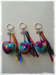 KUFER with artistic handicrafts: Hearts for Valentine's Day - Arthur Marlow Love Crochet, Bead Crochet, Crochet Gifts, Diy Crochet, Crochet Flowers, Crochet Toys, Crochet Keychain Pattern, Crochet Accessories, Crochet Projects