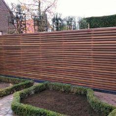 Discover recipes, home ideas, style inspiration and other ideas to try. Modern Garden Design, Contemporary Garden, Outdoor Walls, Outdoor Fun, Outdoor Decor, Backyard Fences, Garden Fencing, Fence Design, Patio Design