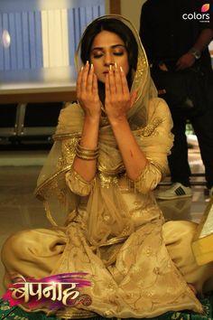 Indian Tv Actress, Beautiful Indian Actress, Indian Actresses, Stylish Girl Images, Stylish Girl Pic, Jennifer Winget Beyhadh, Cute Girl Poses, Jennifer Love, Girl Photography Poses