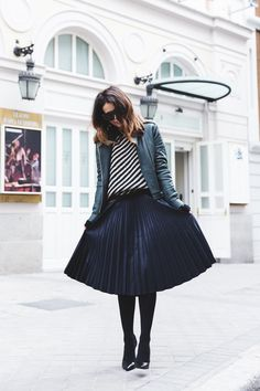 Pleated_Skirt-Striped_Sweater-APC_Paris-Green_Biker_Jacket-Reiss_Fashion-Outfit-Street_Style-22