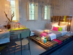 Neon palettes, for a DIY bed