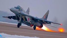 Mig 29 Fulcrum is on the take of 👍👍 . New Aircraft, Fighter Aircraft, Military Aircraft, Fighter Jets, Russian Plane, Aircraft Design, Military Weapons, Aviation Art, War Machine