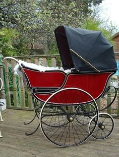 Early 1900's baby carriage stroller.  G;)