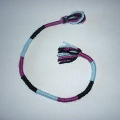 Atébas amovible en laine / bleu violet noir 28 cm