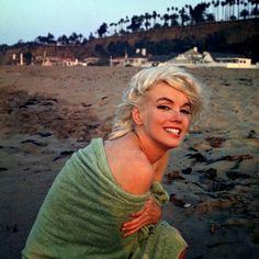 "Last photo shoot of Marilyn Monroe - @buifreakcacand1 ""6,6"""