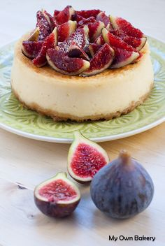 Cheesecake with mascarpone, figs and honey - My Own Bakery via Flickr <3