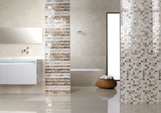 We have collected 100 interesting and modern tile ideas from leading manufacturers so that you have a good idea of the trends in tile design. Diy Design, Interior Design, Mirror Panel Wall, Ikea, Mosaic, Bathtub, Bathroom, Tile Ideas, Image