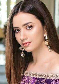 Beautiful Girl In India, Most Beautiful Indian Actress, Beautiful Girl Image, Gorgeous Women, Beautiful People, Cute Beauty, Beauty Full Girl, Indian Bride Poses, Celebrity Stars