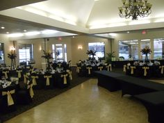 Plenty of room to Party on the lake! April Sound, Montgomery TX  http://www.clubcorp.com/Clubs/April-Sound-Country-Club/Weddings-Events