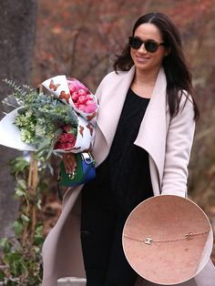 The actress was pictured shopping in Toronto, Canada, on Saturday wearing a major new necklace