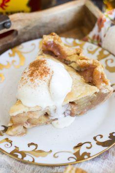Fireball Apple Pie Fireball Apple Pie Recipe, Fireball Recipes, Apple Pie Recipes, Tart Recipes, Dessert Recipes, Apple Pies, Yummy Recipes, Best Ever Apple Pie, Bakken