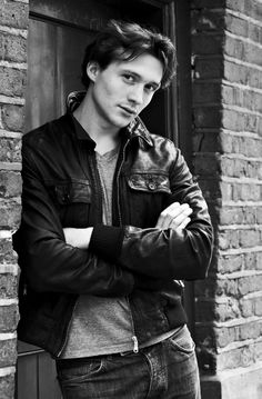 Pictures & Photos of David Oakes - IMDb
