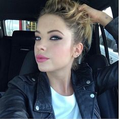 An Effortless Updo and Pink Pout // Ashley Benson Ashley Benson, Ryan Ashley, Find Instagram, Young Blood, I Feel Pretty, Celebrity Beauty, Makeup Goals, Celebs, Celebrities