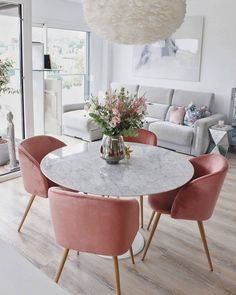 15 Modern Velvet Dining Chairs for the Dining Room - Pink Velvet dining chairs with marble dining table 15 Modern Velvet Dining Chairs for the Dining Room - Pink Velvet dining chairs with marble dining table Dining Room Design, Dining Table Marble, Dining Room Decor, House Interior, Apartment Decor, Velvet Dining Chairs, Home, Interior, Home Decor