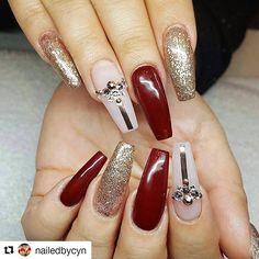 #Repost @nailedbycyn with @repostapp ・・・ #quality#nailsoftheday #nailfashion #nails #nailart #nailswag #nailsonfleek #art #modernsalon#swarovskicrystals #swarovski #stilettonails #modernsalon#coffinnails #vegas_nay#naildesigns #mua#fullset #youngnails #chromenails #chrome #glitter#nailgame#nails2inspire#cali#fontana#ranchocucamonga #upland#riverside