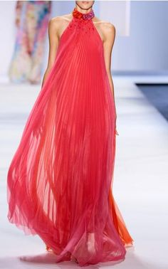 Monique Lhuillier Spring Summer 2016 Look 25 on Moda Operandi ✫♦๏💟☘‿SU Aug ‿❀🎄✫🍃🌹🍃❁`✿~⊱✿ღ~❥༺✿༻♛༺♡⊰~♥⛩ ⚘☮️❋ Beautiful Gowns, Beautiful Outfits, Couture Fashion, Runway Fashion, Dress Skirt, Dress Up, Moda Casual, Estilo Fashion, Kaftan