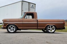 Bid for the chance to own a 1972 Ford Custom at auction with Bring a Trailer, the home of the best vintage and classic cars online. Custom Pickup Trucks, Vintage Pickup Trucks, Classic Pickup Trucks, Lifted Chevy Trucks, Ford Pickup Trucks, Trucks For Sale, Cool Trucks, Ford Sport, Sport Truck