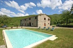 A beautiful stone #Tuscan farmhouse situated in a quiet and panoramic location in the Arezzo surroundings with extensive views over the Arno valley. #Italy #Holiday