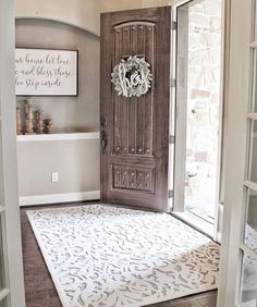 31 Cozy And Inviting Farmhouse Entryway . - 31 Cozy And Inviting Farmhouse Entryway Decorating Ideas - Country Decor, Rustic Decor, Top Country, Country Style, Modern Decor, French Country, Sweet Home, Farmhouse Bedroom Decor, Rustic Farmhouse Entryway