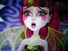 Great Scarrier Reef----close-up on Draculaura's make-up Draculaura, Monster High Characters, Pink Barbie, Ever After High, Monsters, Manicure, Anime, Fanart, Cartoons