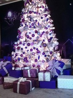 17 Purple Christmas Trees Decorating Ideas More white christmas Purple Christmas Tree Decorations, White Christmas Trees, Beautiful Christmas Trees, Noel Christmas, Silver Christmas, Christmas Cactus, Xmas Trees, Christmas 2019, Purple Christmas Lights