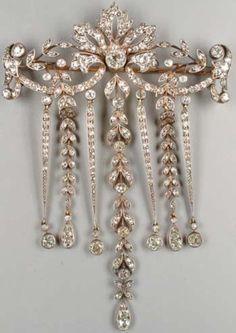 A Victorian diamond stomacher brooch, circa 1900