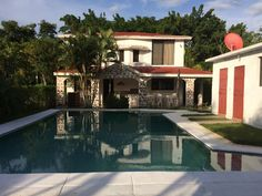 casa - Búsqueda de Google Private Pool, Kids And Parenting, Terrace, Mansions, House Styles, World, Hotels, Home Decor, Home