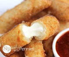 Crispy Mozza Sticks Love it? Pin it to SAVE it! Follow Spend With Pennies on Pinterest for more great recipes! These are amazing! Crispy crunchy egg roll wrappers filled with ooey gooey mozzarella cheese!! These are super simple to make and literally take just a minute or two to cook up! Serve them along side …