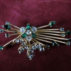 Beautiful Vintage Goldtone Clear/Green Rhinestone Flower Brooch – Signed Phyllis