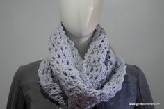 This is an easy free crochet pattern for Joan Infinity Scarf, it has a photo tutorial in each step to guide you in your crochet journey.