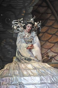 """What darts like flame but is not a flame, that grows cold with death yet blazes with dreams of conquest? (blood) - Lise Lindstrom in Florida Grand Opera's """"Turandot."""""""
