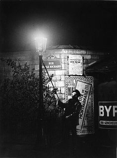 Brassaï, L'allumeur de réverbères, 1932-1933