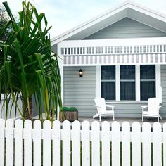 Evermore Designed Homes have created this charming coastal home using Scyon Linea weatherboards, Cape Cod chairs, and a white picket fence.