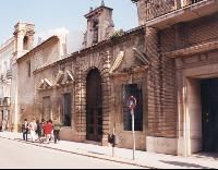 La primera fundación en Antequera de los Franciscanos Terceros fue en el año 1519, en un lugar conocido como las Suertes. Allí empezó a ser muy venerada la pequeña imagen de la Virgen de los Remedios que fue nombrada Patrona de la ciudad en 1546. A consecuencia de lo alejado del emplazamiento del monasterio y al aumento del culto hacia la escultura, los frailes se animaron a trasladarse a Antequera en al año 1607. Las obras de la actual Iglesia de los Remedios se iniciaron en el año 1628.
