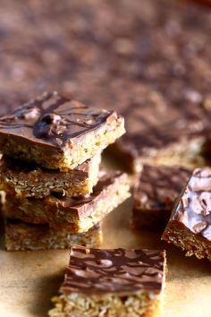 Helpot, sitkeät kaura-suklaapalat - Suklaapossu Something Sweet, Healthy Baking, Brownies, Sweet Tooth, Deserts, Food And Drink, Sweets, Candy, Cookies
