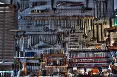 Mechanics Tool Bench - no wasted inch How to transform a Garage into nice…