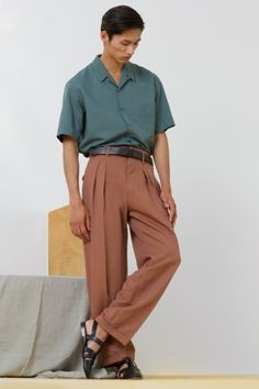 Love the soft colors - Christophe Lemaire - The Spring 2014 Menswear Trend Report Christophe Lemaire, Fashion Show, Mens Fashion, Fashion Outfits, Fashion Design, Preppy Outfits, Simple Outfits, Paris Fashion, Summer Outfits