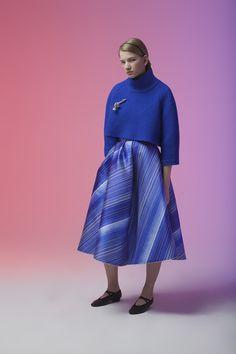 Vika Gazinskaya Fall 2016 Ready-to-Wear Fashion Show High Fashion, Fashion Show, Women's Fashion, Street Fashion, Fashion Tips, Russian Beauty, Printed Skirts, Fall 2016, Get Dressed