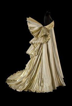 Roberto Capucci Sculpure-dress. Foto Claudia Primangeli.