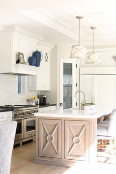 California Beach House kitchen perimeter countertop is Labrador Black Granite. Beach House Kitchens, Home Kitchens, Custom Kitchens, Dream Kitchens, Luxury Interior Design, Interior Design Kitchen, Classic Kitchen, Coastal Living Rooms, Modern Coastal