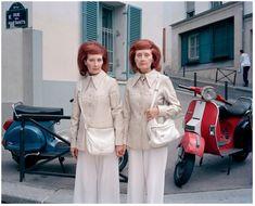 お出掛けのときはいつもお揃いの服/パリの双子のおばちゃまのユニークな生き方