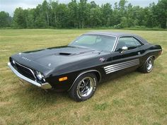1971 Dodge Challenger http://classic-auto-trader.blogspot.com likes this