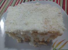 Receita de Bolo Gelado - bolos de acordo a embalagem. Assar em forma quadrada. Reserve e deixe esfriar. Misture em uma panela todos os ingredientes, menos o coco ralado....